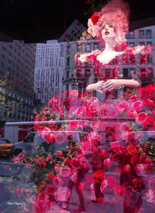 Amazing window display!! Create rose skirt on altar