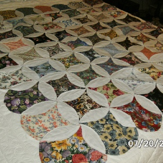 58 Best Mock Cathedral Window Quilt How To Images On Pinterest