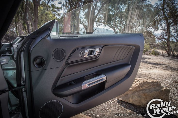 s550 ford mustang door cards this car 39 s interior is much improved over the s197 it replaces. Black Bedroom Furniture Sets. Home Design Ideas