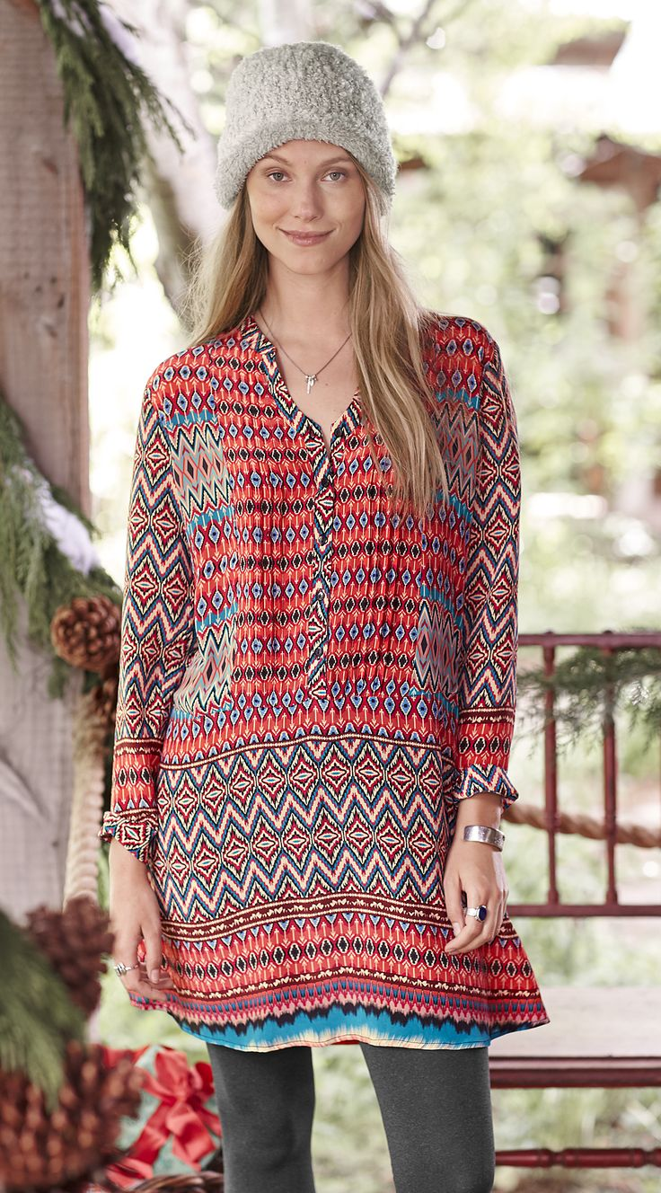 Allesandro Dress - V-neck printed dress with button-up front.