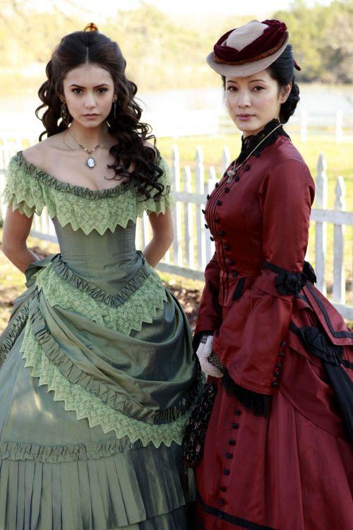 Nina Dobrev & Kelly Hu in 'The Vampire Diaries' (2009).