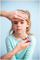 Vysoké teploty u detí sú desivou nočnou morou každého rodiča. Ako bojovať s horúčkou u detí?
