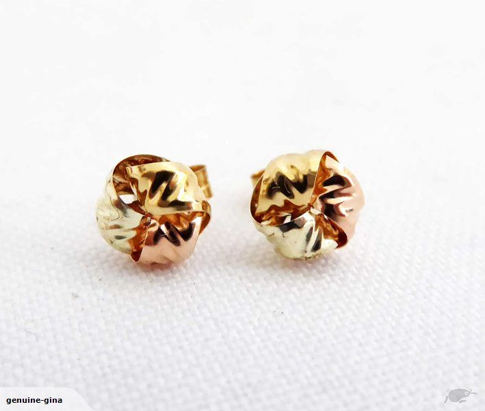 PSSST: Going once- going twice... a gorgeous pair of 9ct gold earrings on TM at a crazy $1 reserve- selling to the highest bidder. You gotta be in it to win it. Be quick - auctioning now
