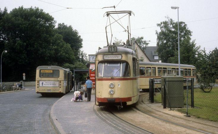 Hannover ÜSTRA SL 11 (T4 323) Sarstedt am 26. Juni 1981.