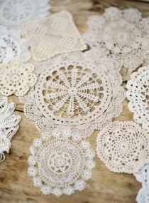 #wedding #white #decor #blanc #doilie