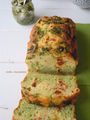 Cake al pesto e pomodori secchi
