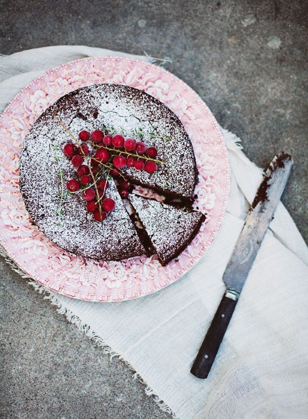 """Kladdkaka"" or Swedish sticky chocolate cake @Micaela Berghall Ahhh I make this all the time! Thanks @Nicole"