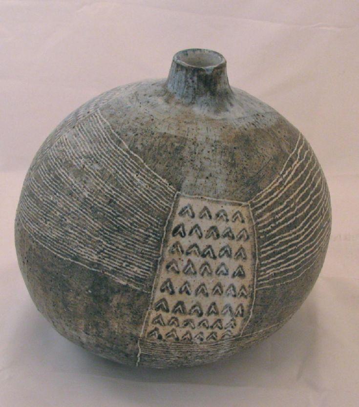 YO THOM (Japanese) - Round Hill Vase