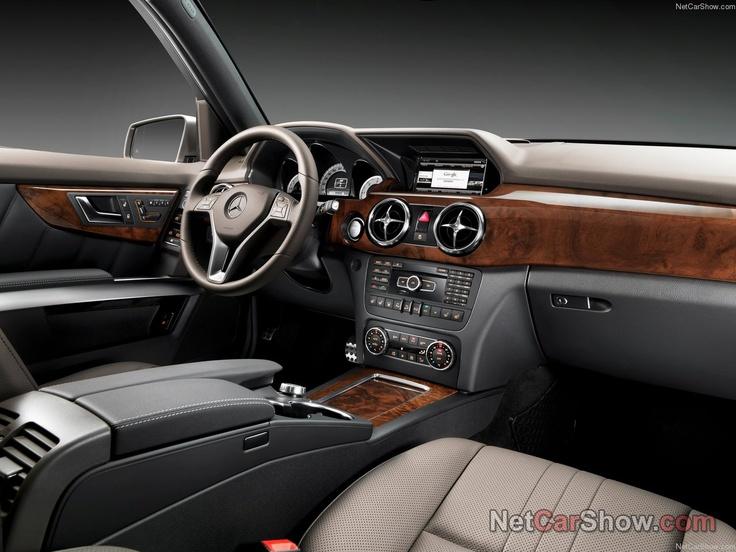 Mercedes GLK-Class (2013) [full-on web browser on the infotainment screen?]
