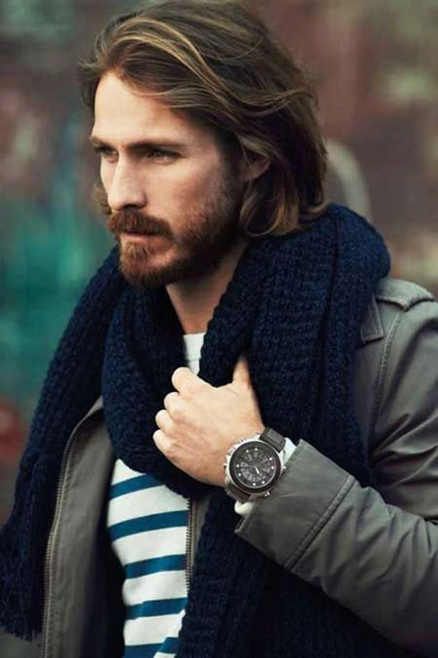 Coiffure hommes cheveux longs