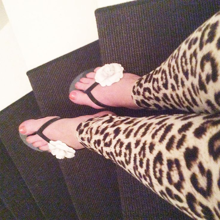 Mel by Melissa flip-flop Special Flower and Leopard trousers