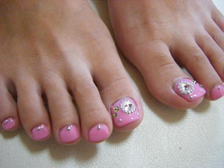 Toenail Designs: Pink toenail designs