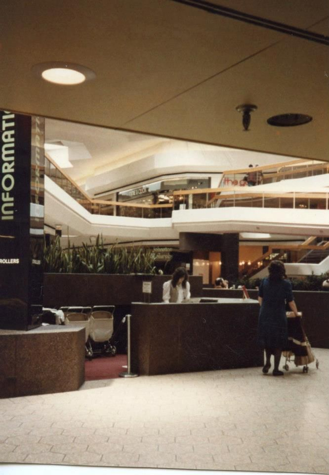 Fairlane Town Center Dearborn Mi 80s Quot Malls Now Malls