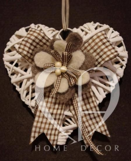 http://it.artesanum.com/upload/postal/8/0/9/cuori_decorativi-129812.jpg