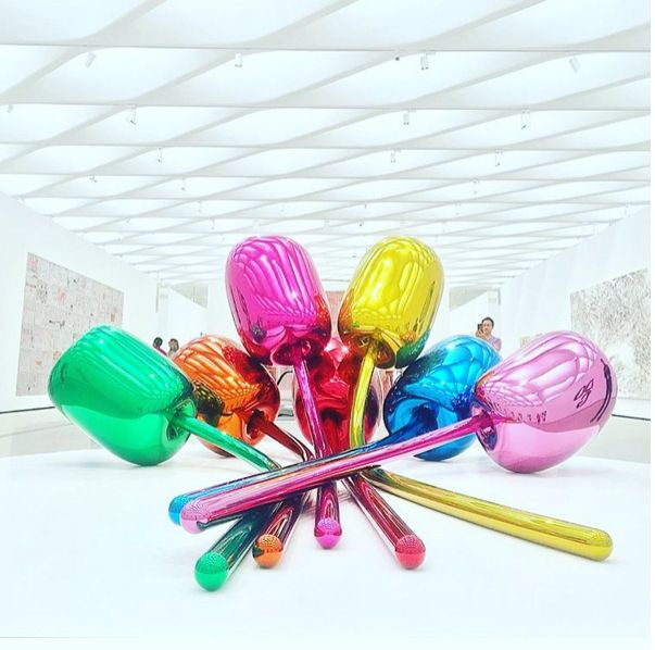 Jeff Koons Tulips at The Broad | Stainless Steel | JEFF ...