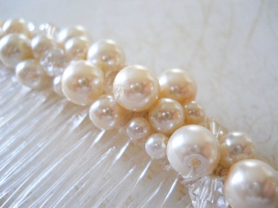 Hey, I found this really awesome Etsy listing at https://www.etsy.com/listing/119438723/ivory-pearl-hair-comb-large-bridal-hair