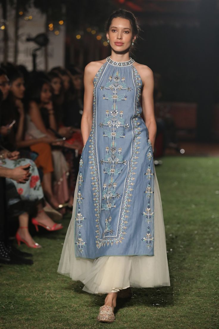 ANITA DONGRE Blue Digital Print Tunic and Midi Skirt Set. Shop Now! #anitadogre #blue #digitalprint #tunic #midskirt #muslin #lfw18 #straightfromrunway #indianfashion #indiandesigners #perniaspopupshop #happy-shopping