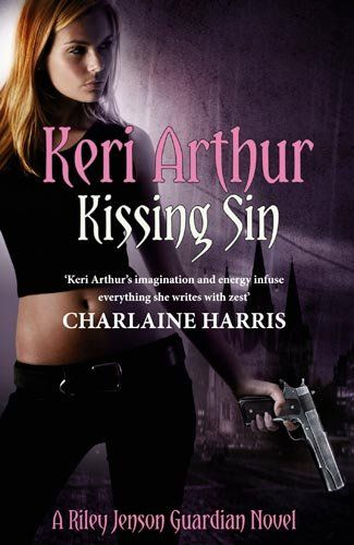 Kissing Sin: Number 2 in series (Riley Jenson Guardian): Amazon.co.uk: Keri Arthur: 9780749955922: Books