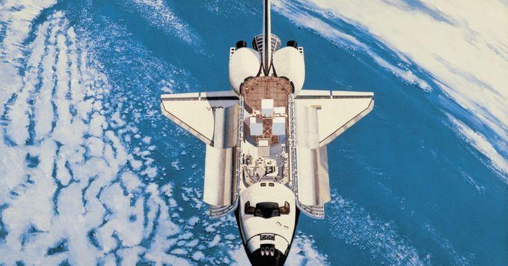 """Cómo conseguir la lealtad de Jack y Miranda en """"Mass Effect 2"""". En el videojuego de ciencia ficción """"Mass Effect 2"""", el jugador puede interactuar con la tripulación de esta nave espacial virtual. La tripulación tiene asignada una misión suicida contra un enemigo muy superior, y el jugador debe asegurar la lealtad de la tripulación para conseguir su mayor rendimiento para que la misión tenga éxito. Miranda y ..."""