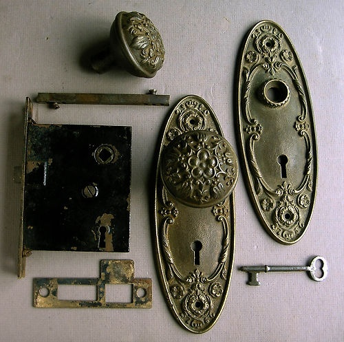 Antique Ornate Cast Iron Door Knob & Lock Set.  Beautiful!