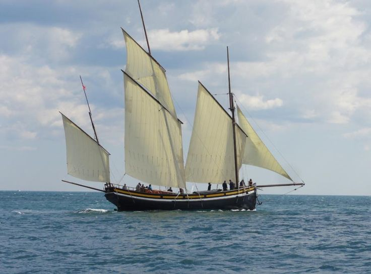 Grayhound Sailing Lugger | Classic Sailing