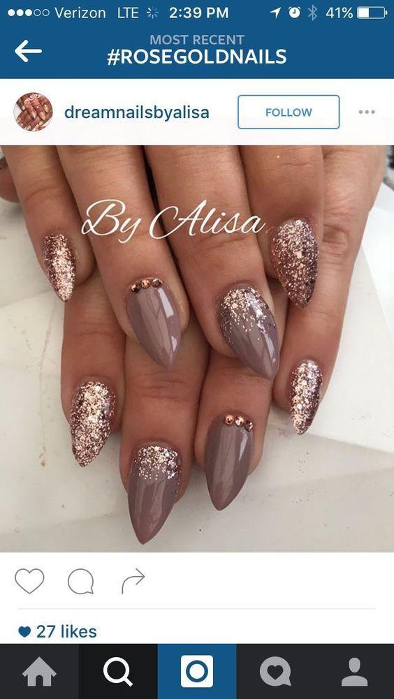 Pretty for fall nail art idea on short stiletto nails | nail art with glitter | short nails