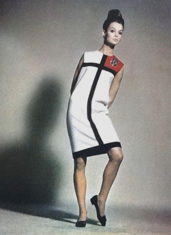 Jean Shrimpton wearing Ysl's Mondrian dress in Harper's Bazaar September 1965 byAvedon