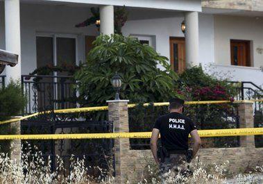"""Hezbolá en Chipre. Un alto funcionario israelí, citando información recibida de Chipre, dijo a Reuters que el nitrato de amonio estaba aparentemente destinado a hacer una buena cantidad de bombas que se mantendrían """"a mano"""" para futuros ataques."""
