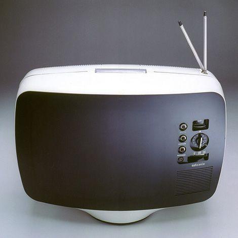 The first portable TV set – Téléavia PA 573 (1963) designed by Roger Tallon
