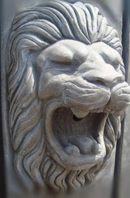Cast Stone Lion #oldworldpotteryofwichitafalls #caststone #lion #rawr #stonework #home #decor