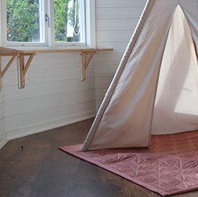 Organic playmat in a wonderful blush colour from Cam Cam Copenhagen.