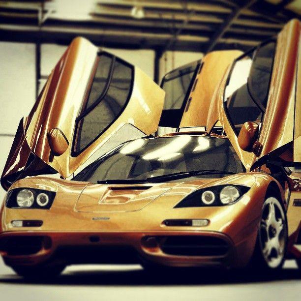 Sexy Golden McLaren F1