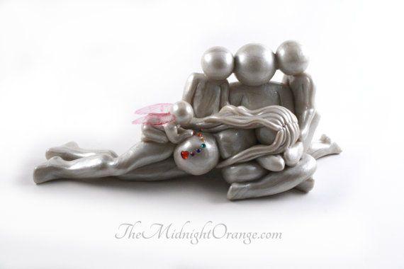 Verzenden van een regenboog Baby - zwangerschap na een verlies - familie van 5 met zwangere moeder, vader en broers en zussen - kiezen u angel of vlinder vleugel kleur door TheMidnightOrange