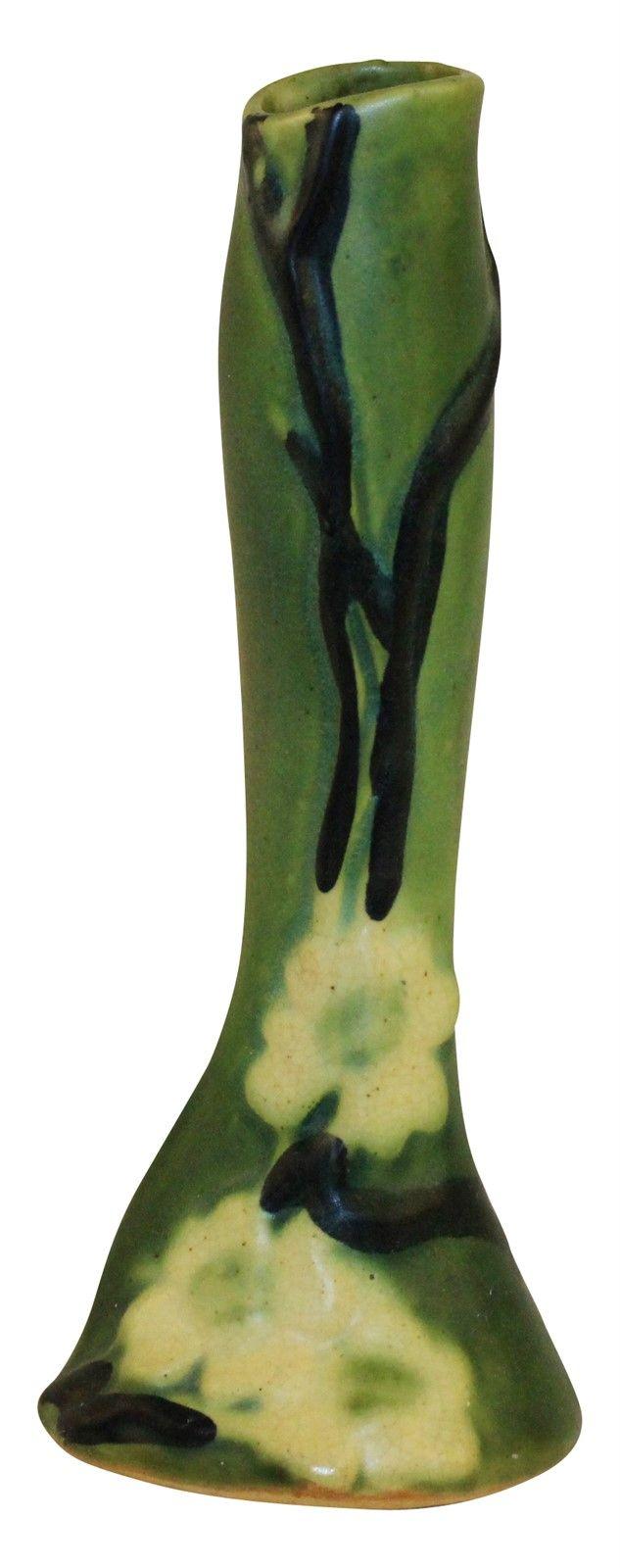 Roseville Pottery Dogwood Smooth Bud Vase