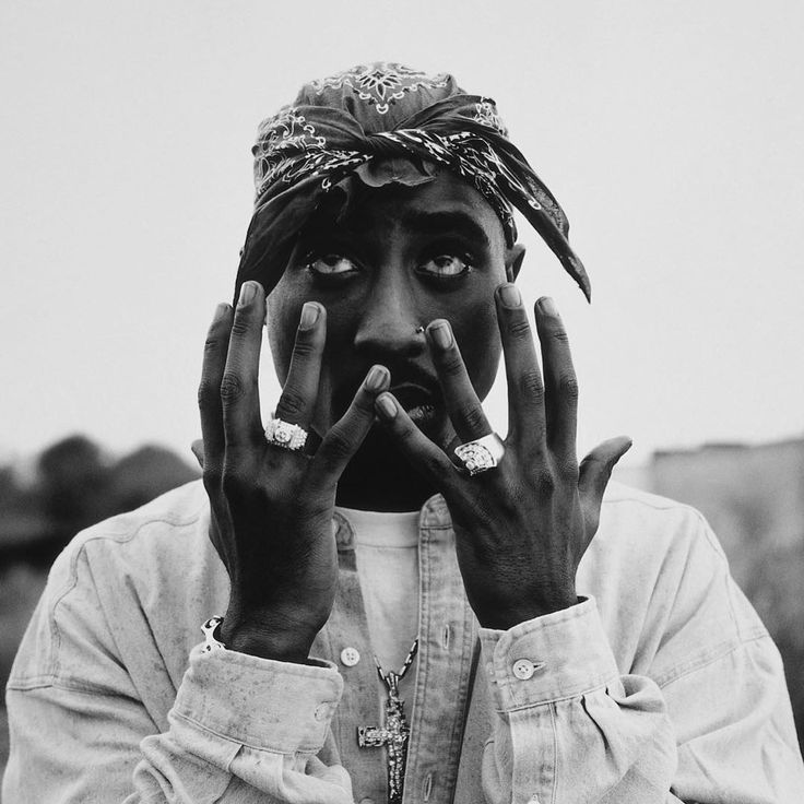 #hsfacts: Ten Tupac albums have been released after his death in 1996; all have gone platinum.