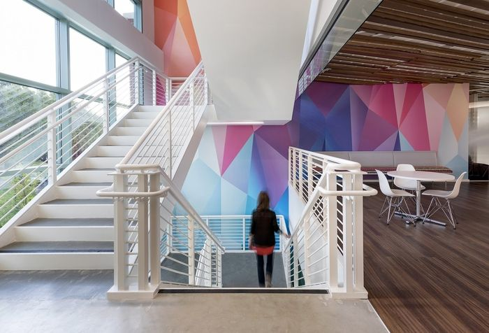 RMW architecture & interiors has designed the new offices of cloud applications and services company Oracle, located in Santa Clara, California.