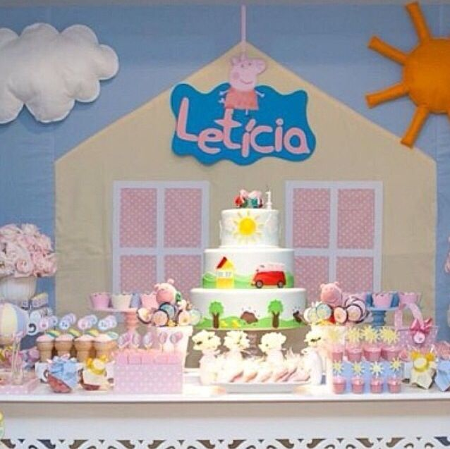 Peppa Pig birthday party decoration