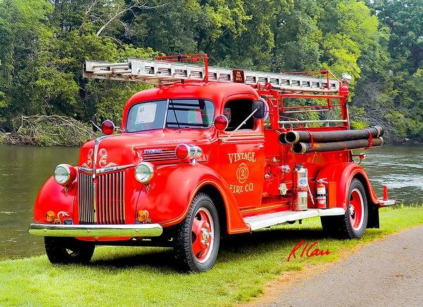 les 823 meilleures images du tableau pompiers sur pinterest pompiers service d 39 incendie et. Black Bedroom Furniture Sets. Home Design Ideas