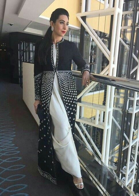 Karishma Kapoor in #ampmfashion for health awards at Dubai