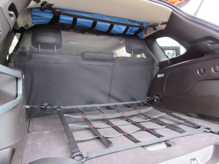 Packing up to go in the new #JEEPCHEROKEE ! Raingler's ceiling, cargo area nets and military grade mesh and net barriers.  #TRAILHAWK models too! #RAINGLERNET #JEEPLIFE http://www.raingler.com/#!jeep-merchandise/ch9y