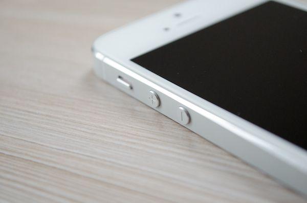 Apple планирует исключить случайные нажатия на кнопки на iWatch и iPhone