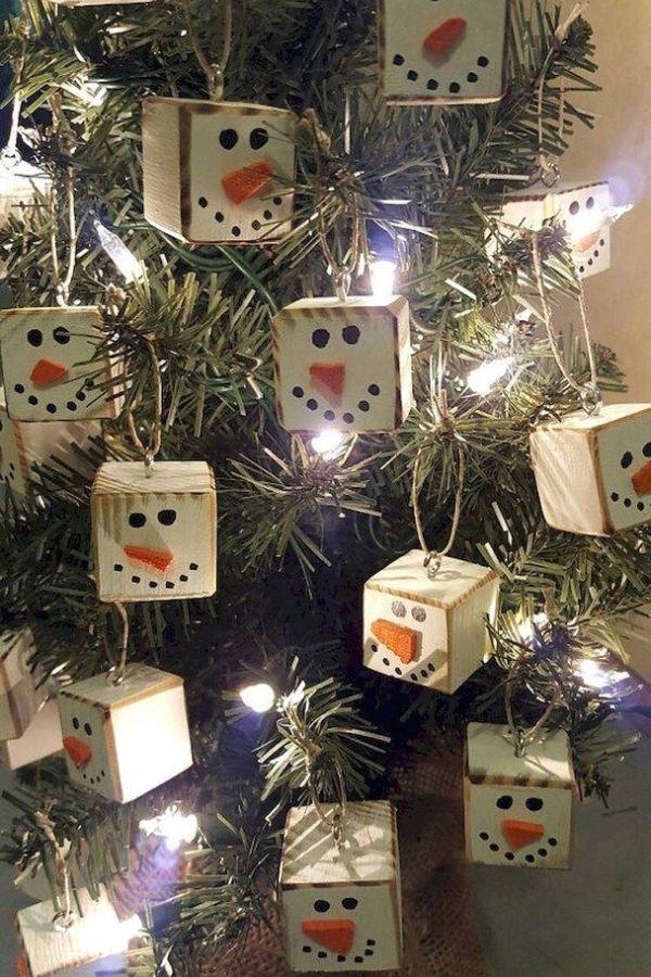Amazing Diy Christmas Decor Ideas 3 In 2020 Primitive Christmas Tree Christmas Tree Decorations Diy Christmas Decorations Rustic