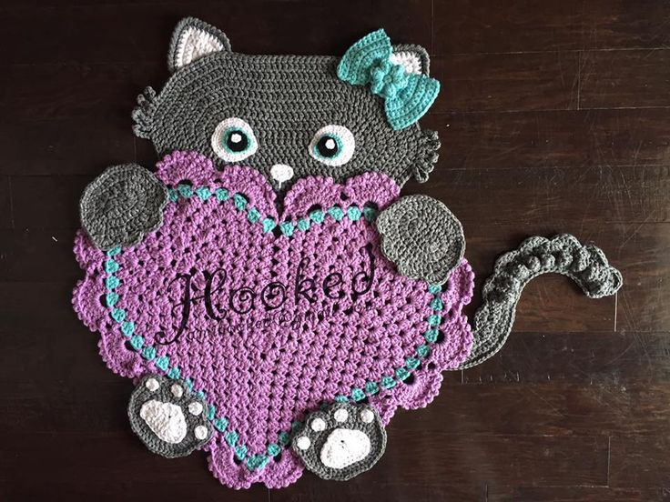 Sassy the Kitty Heart Rug by Hooked for more information, please contact Penny Shilling --> https://www.facebook.com/AmiHooked  Crochet Pattern from --> https://irarott.com/Kitty_Cat_Heart_Rug_Crochet_Pattern.html