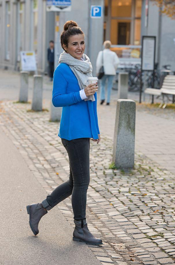 """Lassen Sie sich inspirieren von unserem """"#Fashion Warm Up"""" rund um die edle #Masche und einem neuen #Look, der schon die #Farben der kommenden #Saison ankündigt. #mode #Ravensburg #streetstyle #reischmann"""