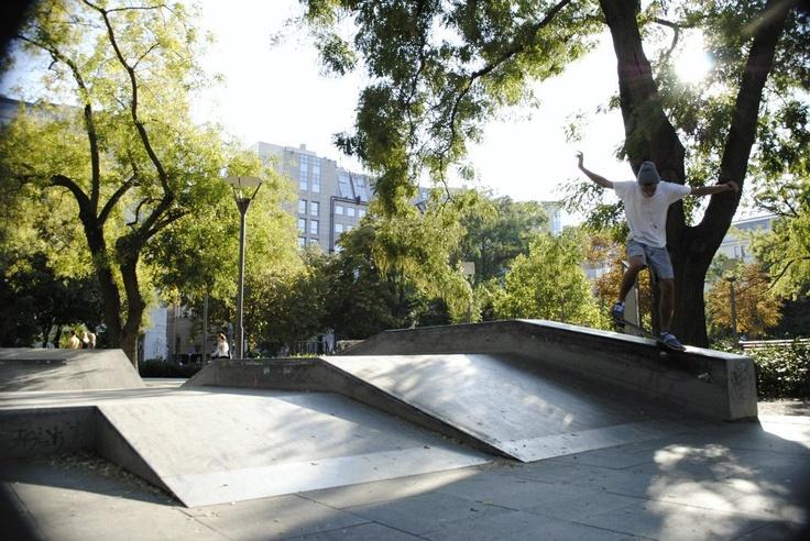 i do a crooked grind @erzsébet skatepark,budapest