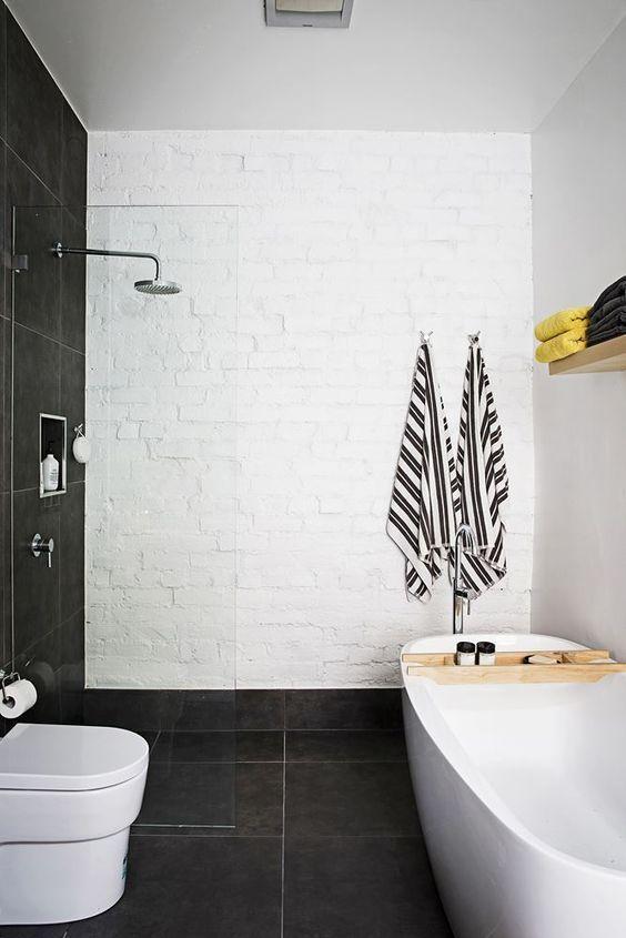 25 beste idee n over bakstenen muur decor op pinterest buitenshuise kransen cafe stijl en - Bakstenen muur woonkamer ...