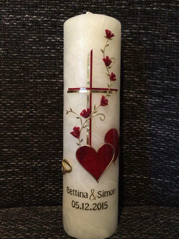 Hochzeitskerze Bienenwachs mit Kreuz, Herzen und Ranke verspielt