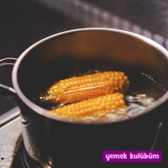 Haşlanmış Mısır nasıl yapılır, resimli Haşlanmış Mısır yapımı yapılışı, Haşlanmış Mısır tarifi, evde düdüklüde ve tencerede Haşlanmış Mısır nasıl yapılır. #mısır #haşlanmışmısır #haşlamamısır #mısırhaşlama #sütmısır #boiledcorn #hotcorn