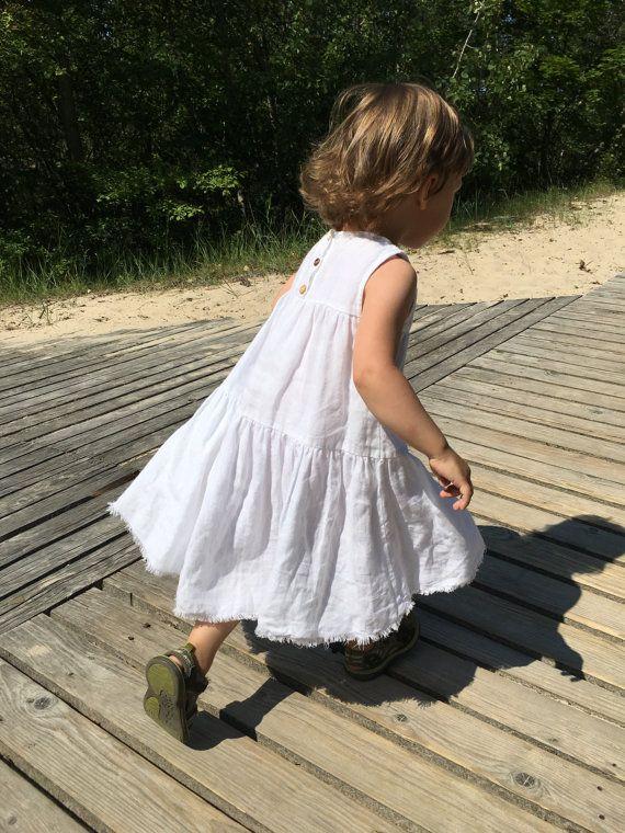 Meisjes witte linnen jurk, zonder mouwen ideaal voor de zomer, natuurlijke…