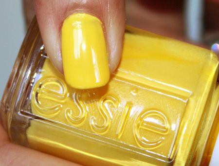 Obviously I'm into yellows lately. Might as well bring it into my nailpolish!